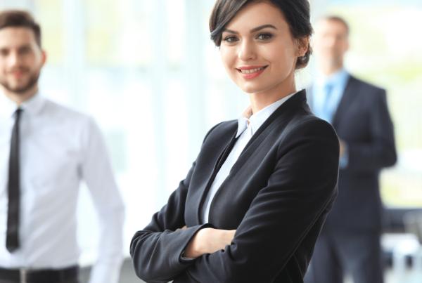 Messeoutfits Mitarbeiteroutfits Messebekleidung für professionellen look